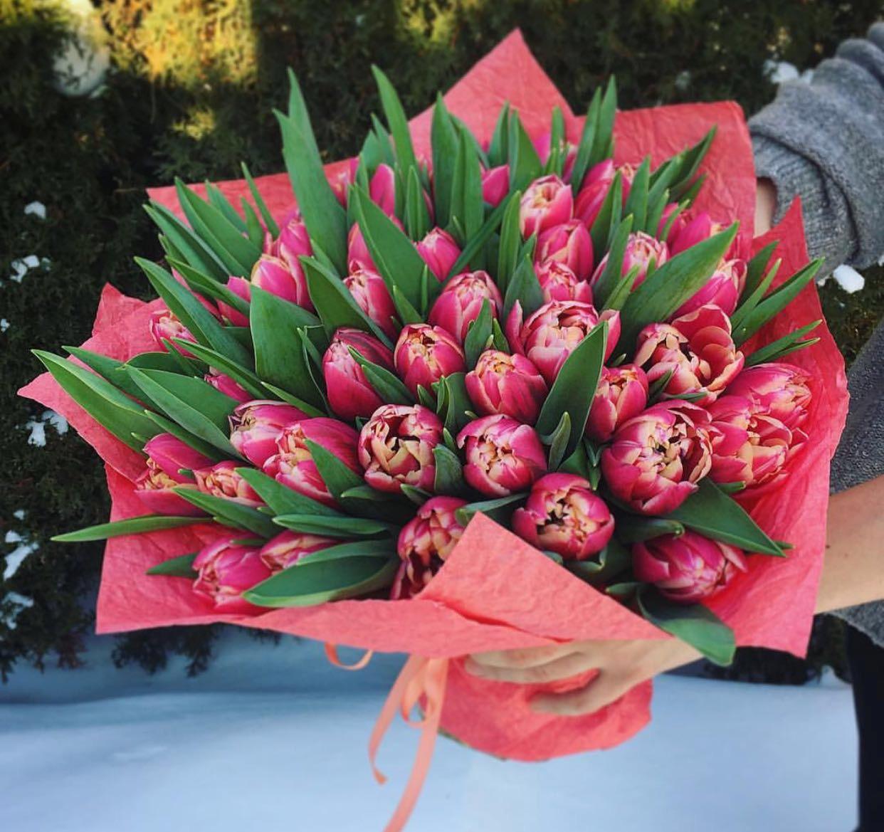 Красивый букет, цветов заказ на 8 марта какие дарят